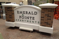 Emeral Pointe Main Entrance Monument 02